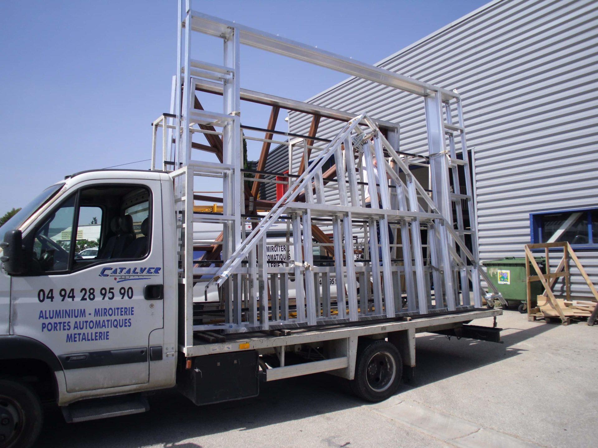 Livraison de chassis de veranda sur mesure en aluminium ou acier par catalver VAR