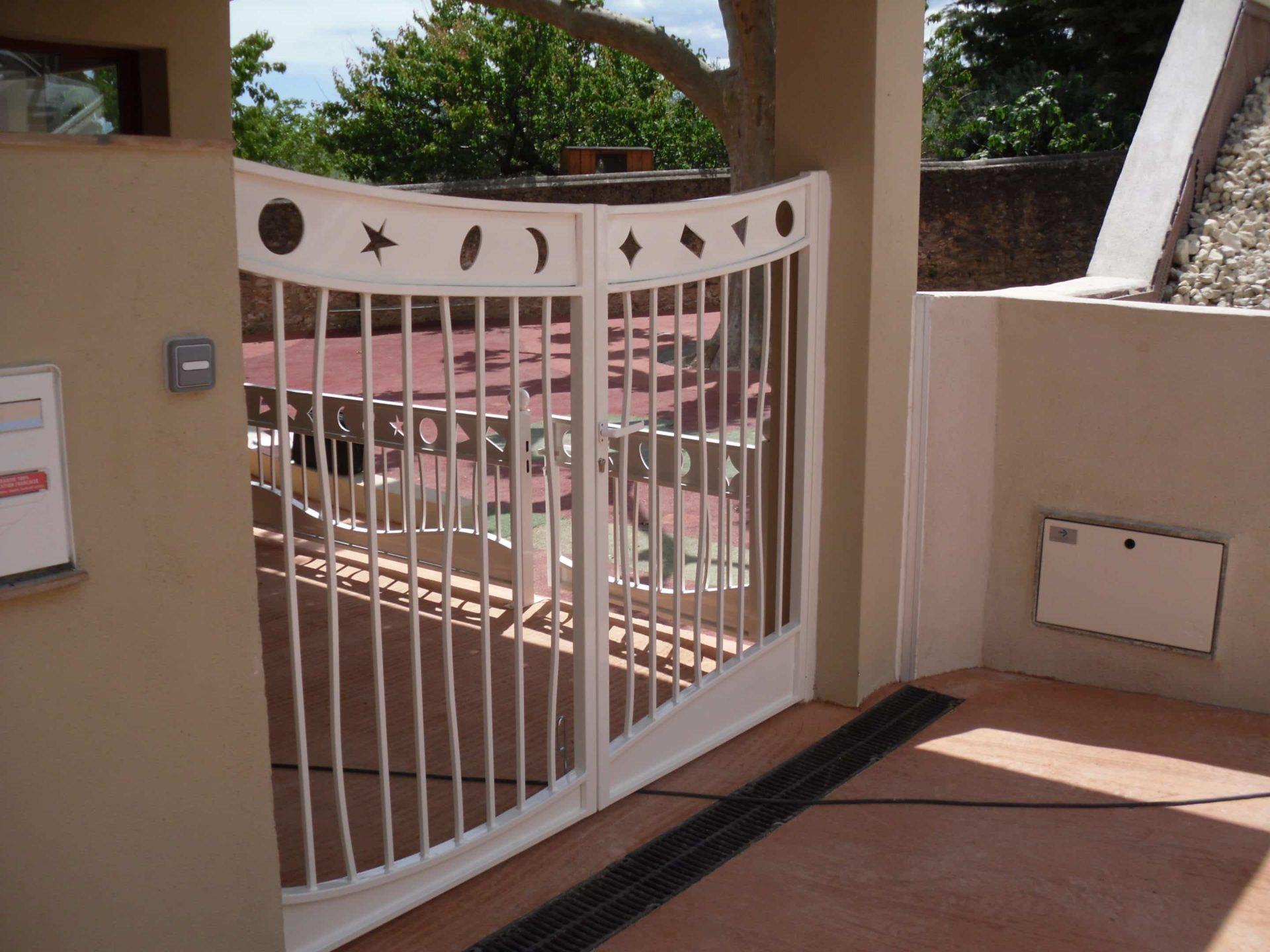 portail en aluminium réalisation sur mesure