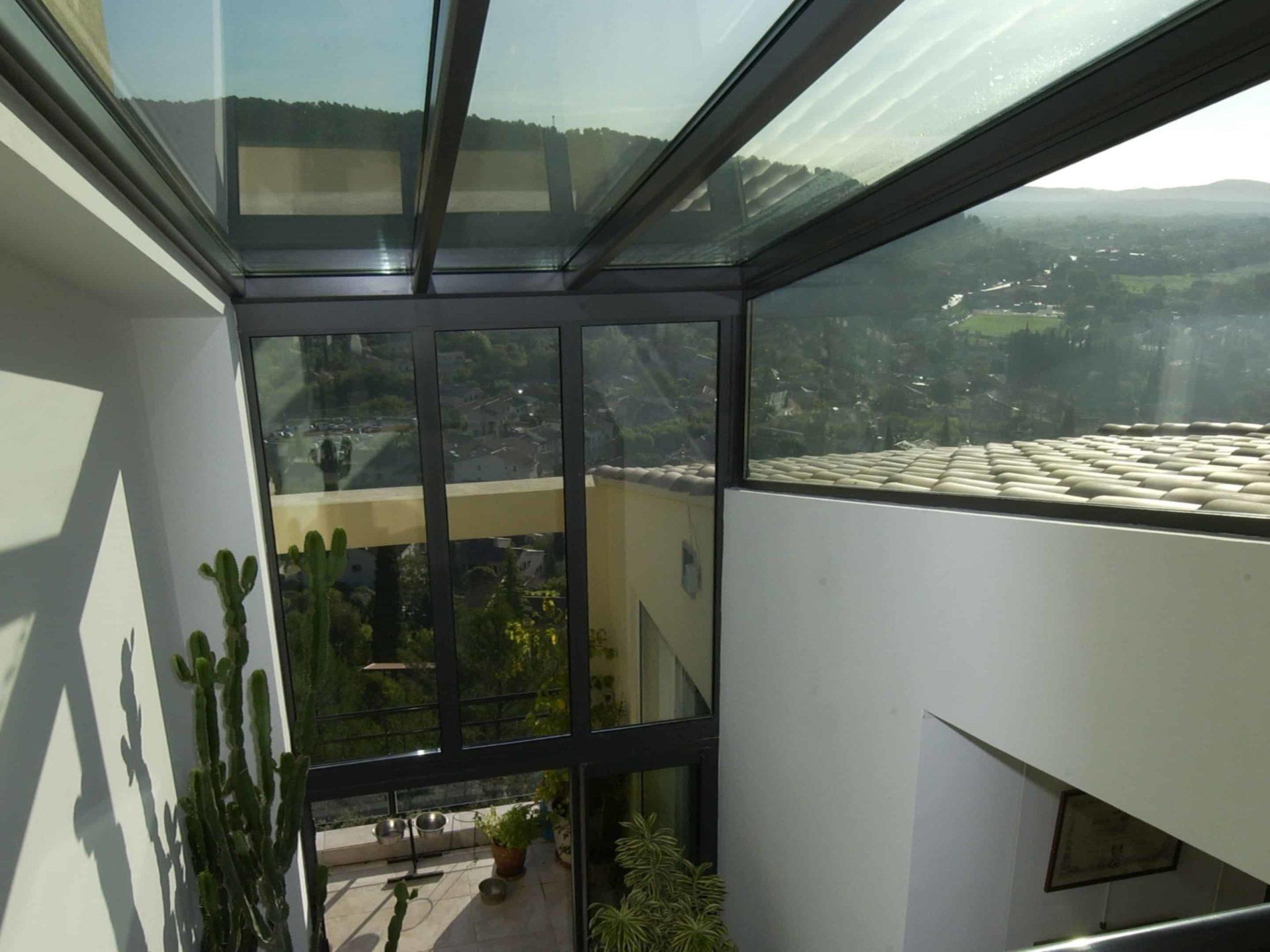 Construction d'une verriere veranda en aluminium dans le var par catalver