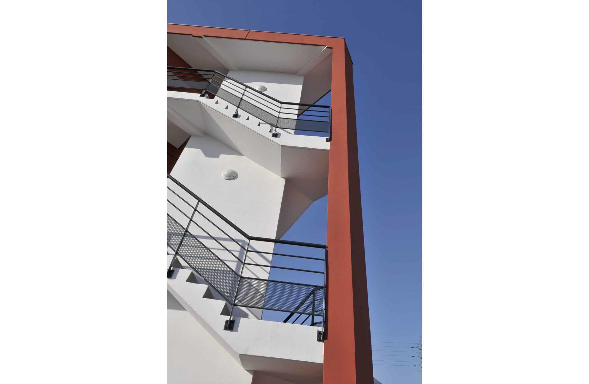 Garde corps pour balcon ou escalier accueil public catalver